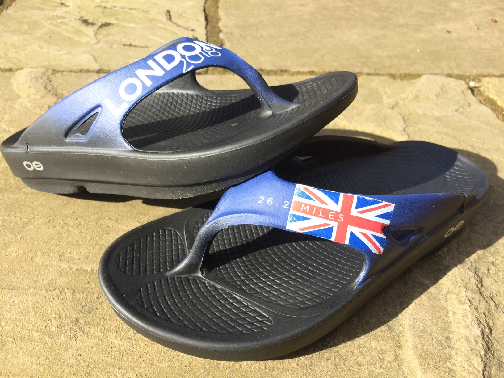 OOFOS London Limited Edition Recovery Shoes